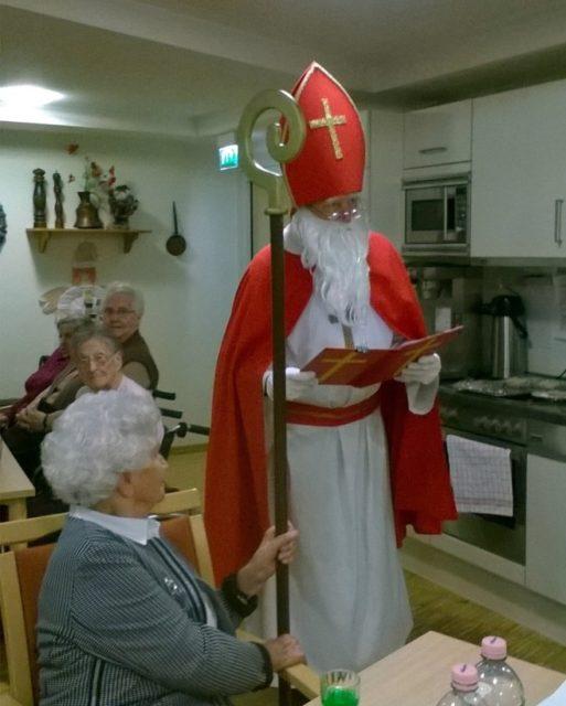 Besuch vom Nikolaus bereitet auch im Alter Freude
